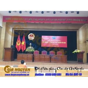 http://www.noithatgianguyen.com/677-1675-thickbox/ban-ghe-chu-toa-danh-cho-hoi-truong.jpg